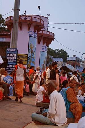 印度瓦拉納西河畔祭典 158.jpg