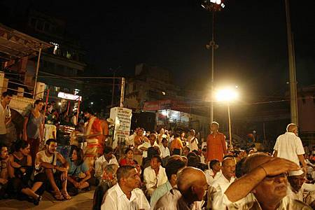 印度瓦拉納西河畔祭典 163.jpg