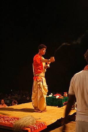 印度瓦拉納西河畔祭典 170.jpg