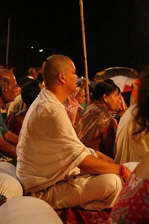 印度瓦拉納西河畔祭典 169.jpg