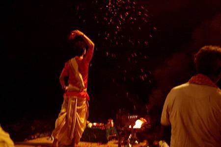 印度瓦拉納西河畔祭典 177.jpg