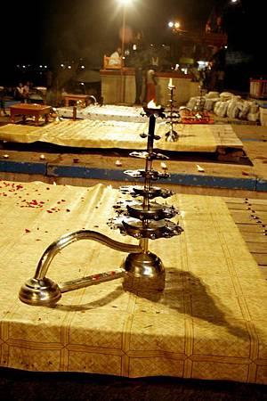 印度瓦拉納西河畔祭典 189.jpg