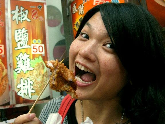 一中街美食-超大雞排與超大食量的我