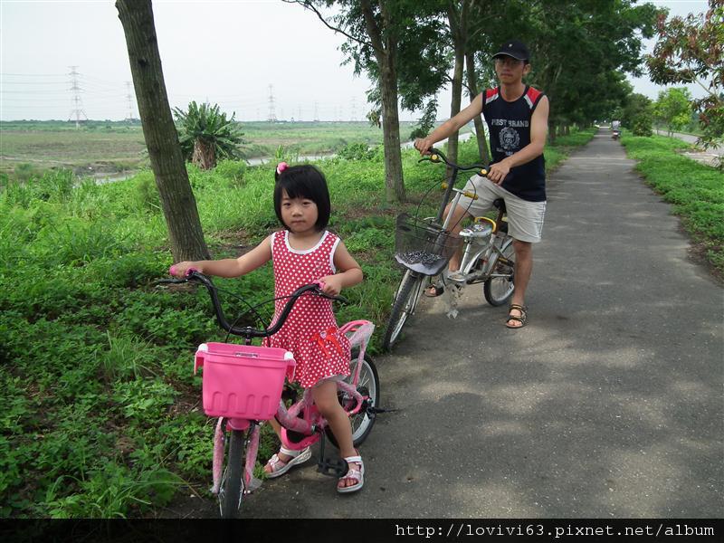 堤防騎單車記6.JPG