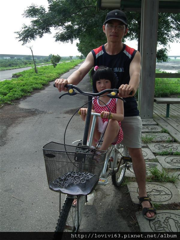 堤防騎單車記11.JPG