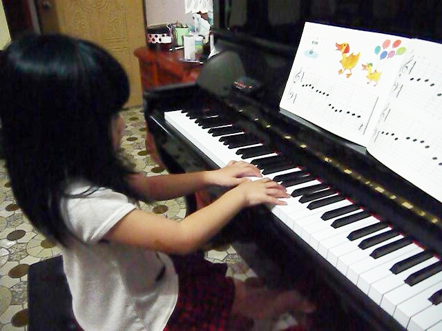 妮妮鋼琴比賽