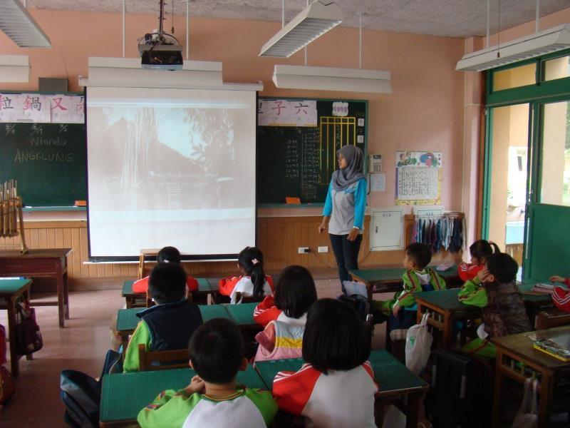國際志工Whinda的教學活動1.jpg