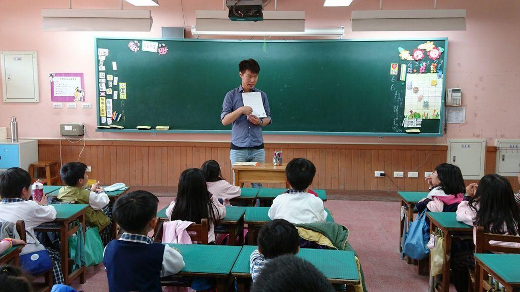 3.14專輔教師仲修老師說故事~都是你害的1.jpg