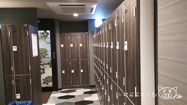百夫長膠囊旅館8