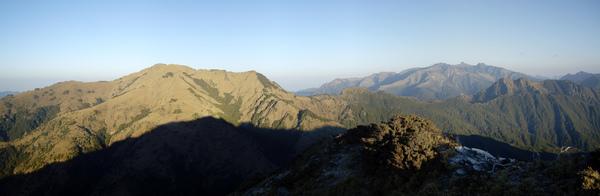 南雙頭山頂展望.jpg