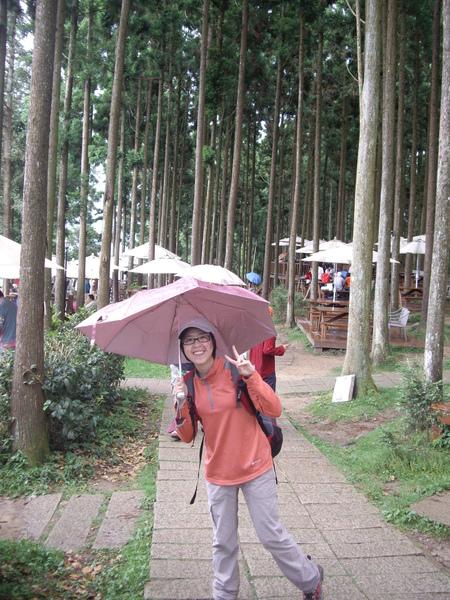 爬山帶傘~這是一定要的啦.JPG
