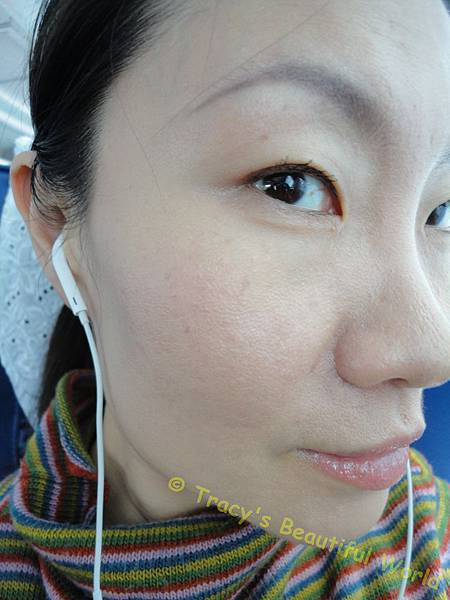 超進化肌因賦活露使用後底妝服貼效果