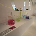倩碧俏眸筆的可愛顏色變成實驗室啦
