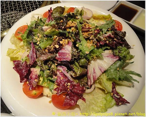 屋馬燒肉 沙拉(胡麻醬) 1.JPG