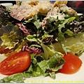 屋馬燒肉 凱薩沙拉3.JPG