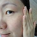 半臉使用活顏鎖時按摩精萃 8.JPG