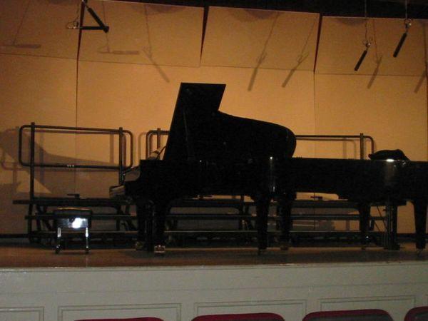 表演前的舞台