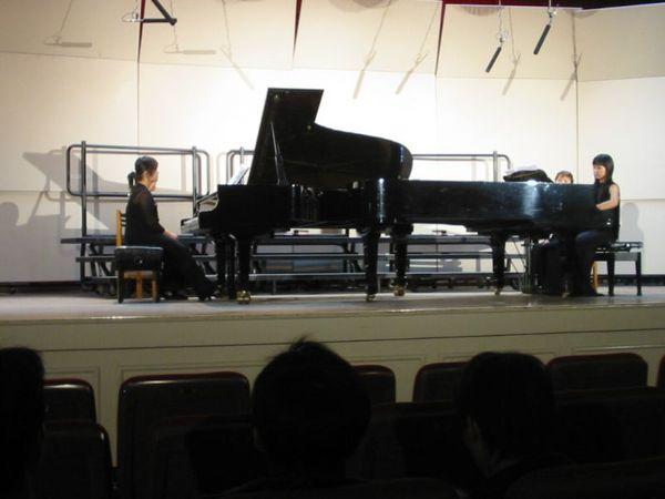兩架鋼琴的表演