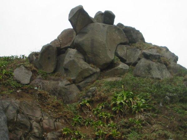 麟山鼻熔岩