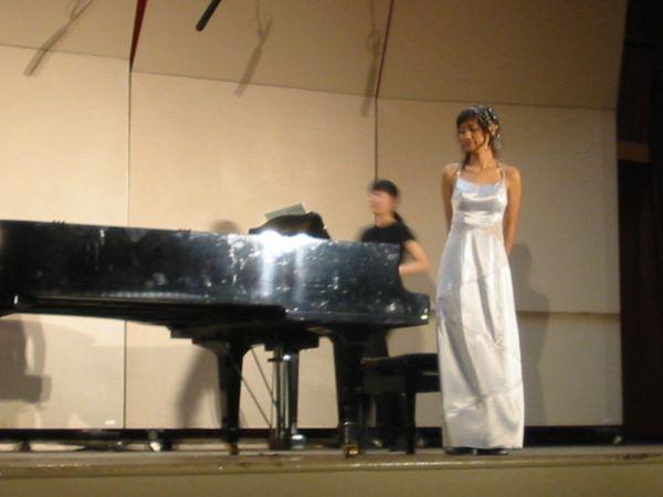 換兩台鋼琴演奏