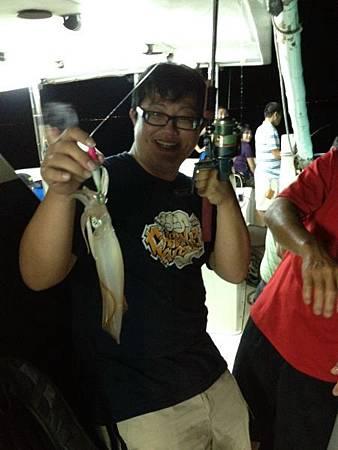 哈哈 我釣到了