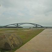白天的彩虹橋
