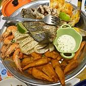 聖托里尼‧炭烤海鮮盤