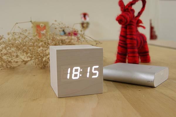 LED木質時鐘