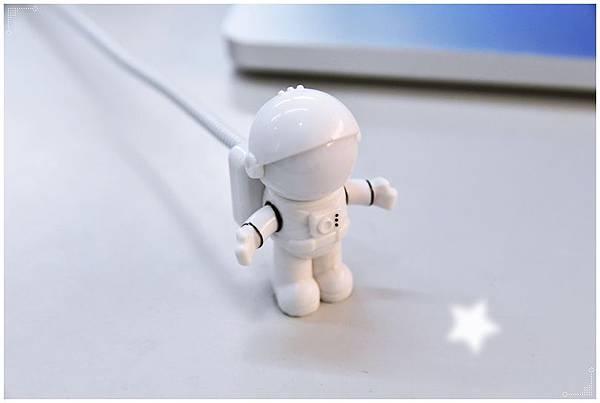 太空人USB夜燈8