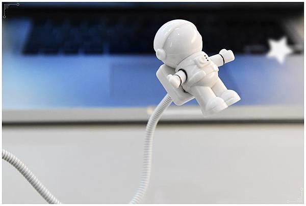 太空人USB夜燈9