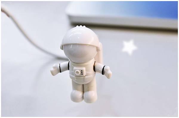 太空人USB夜燈10