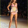 miranda-kerr-victorias-secret-fashion-show-2012-10