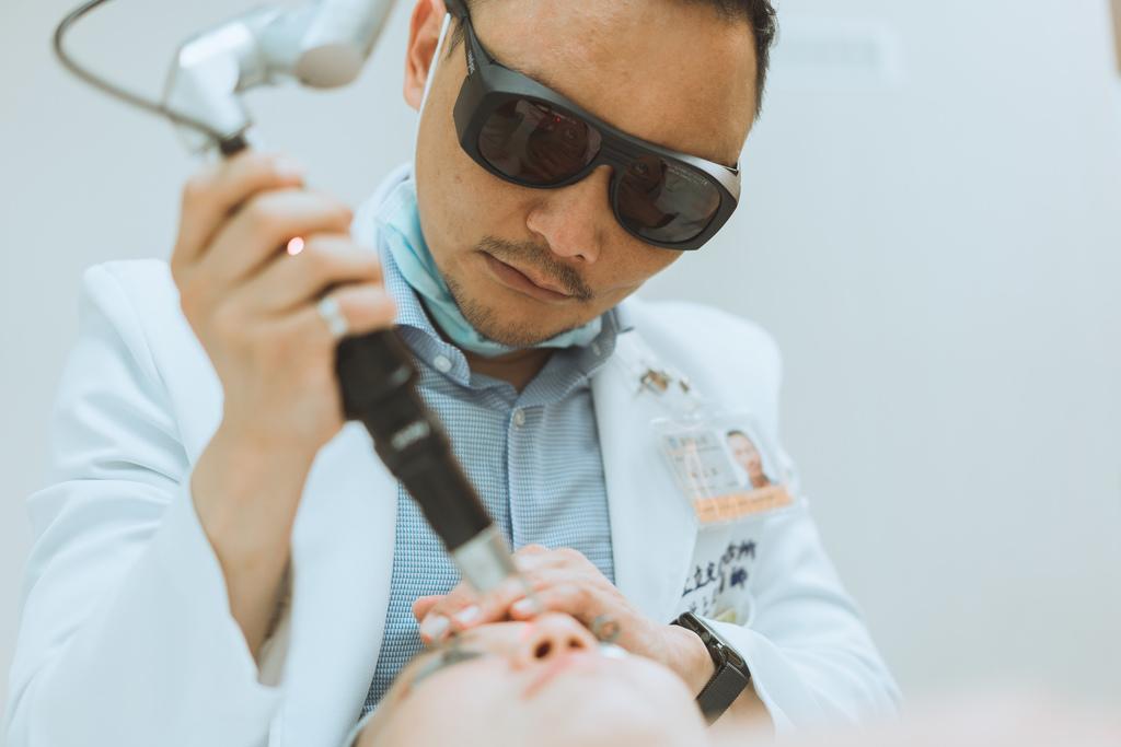 Up雷射ultrapulse汽化雷射雷射效果痘疤凹疤up雷射永和皮膚科林上立醫師上立皮膚科12.jpg