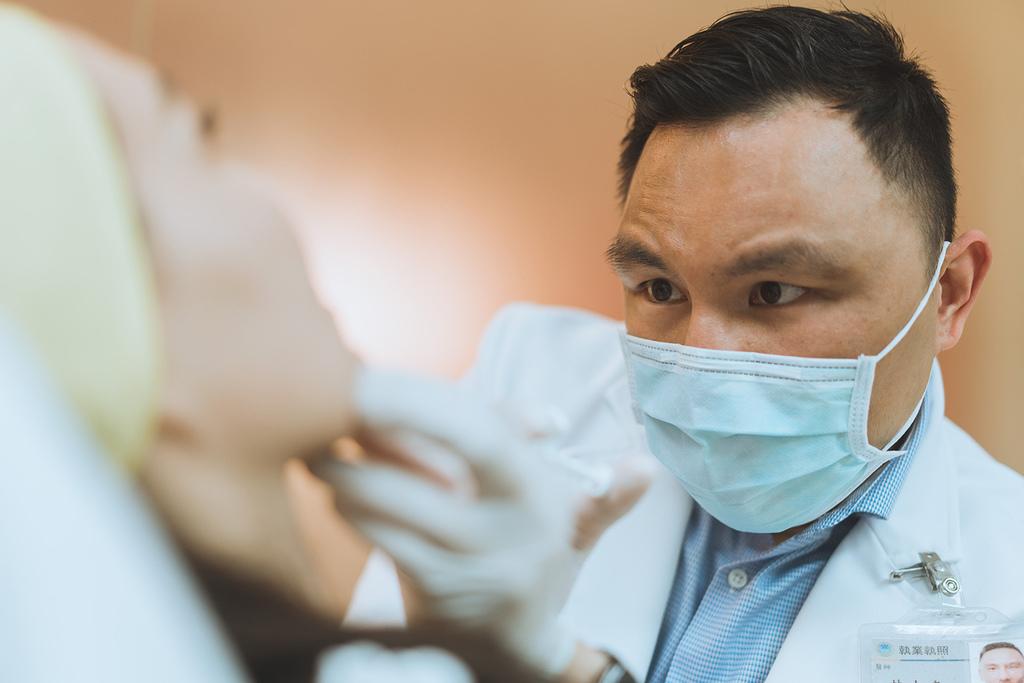01-Double-chin-doctor-ShangLi-dermatologic-aesthetic-clinic (6).jpg