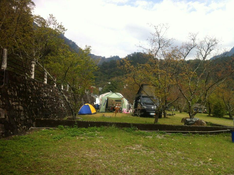 頗為寛敞的營地— 在谷關風景區