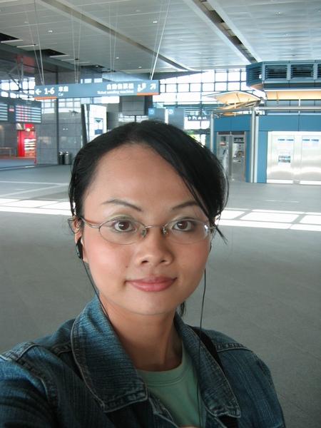 跟烏日站的大廳合照.JPG