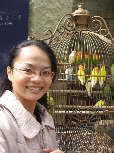 我跟吵死人的小鳥合照1