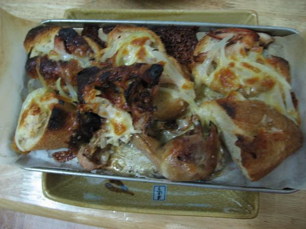 法國麵包+雞肉+洋蔥+乳酪絲