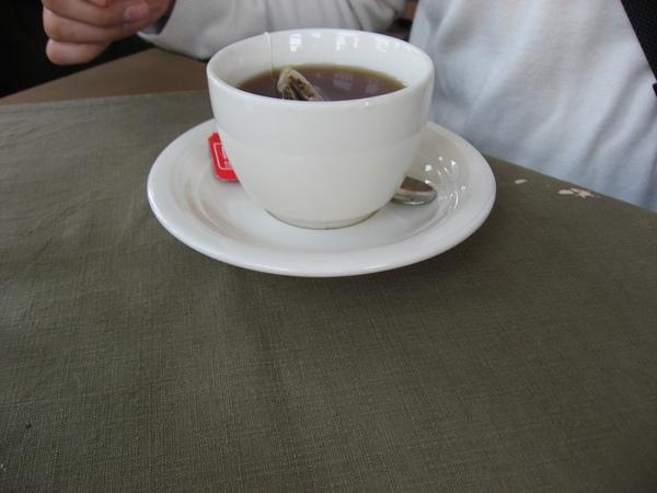 小芳點的熱紅茶