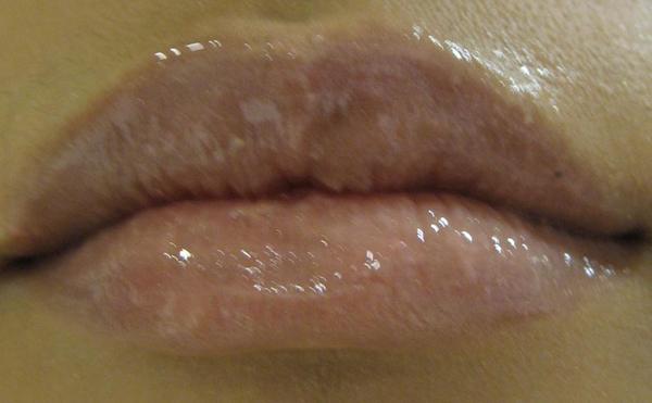 2007MQ聖誕彩妝-透明唇妝