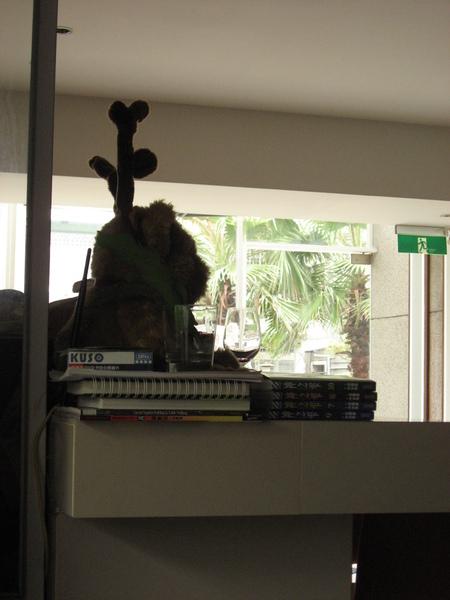店內一角-熊長麋鹿角