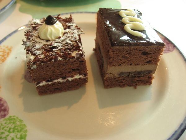 黑森林蛋糕+鏡面巧克力蛋糕