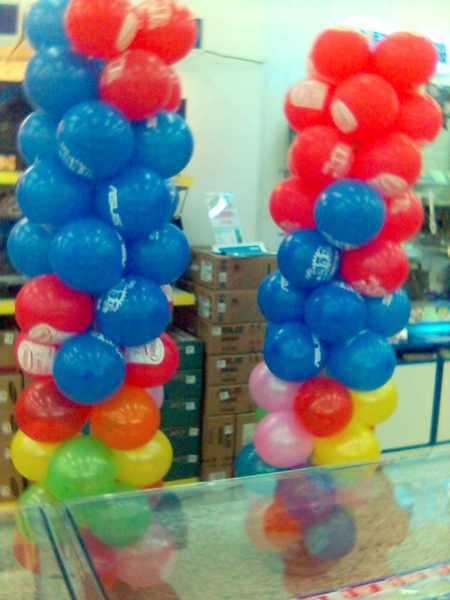 2007年聖誕節時做的氣球柱近照