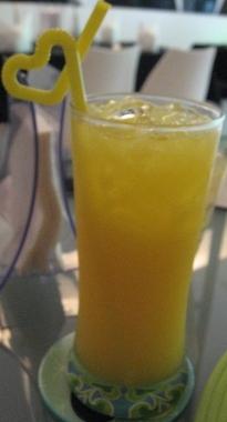 喬西小館的黃金世界果汁