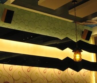 鮮友火鍋的天花板設計-2