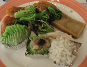 燒賣+花椰菜+蘿蔔糕+珍珠丸+蝦子+雞肉