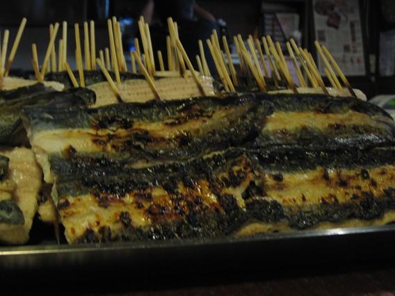 20080820大東屋尚未烤好的鰻魚.JPG