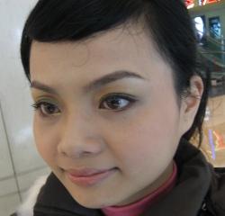 20081128沛柔幫我化的MQ聖誕彩妝1