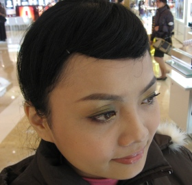 20081128沛柔幫我化的MQ聖誕彩妝2