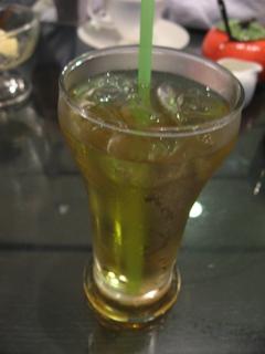 洋洋灑灑的套餐飲料-青茶